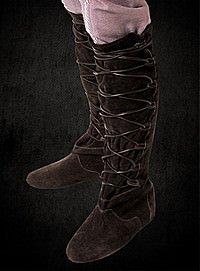 Braune Lederstiefel mit Schnürung