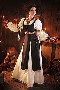 Mittelalter Gewand mit Bordüren